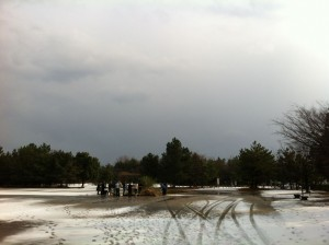 御経塚遺跡公園はうっすらと雪がつもっていました